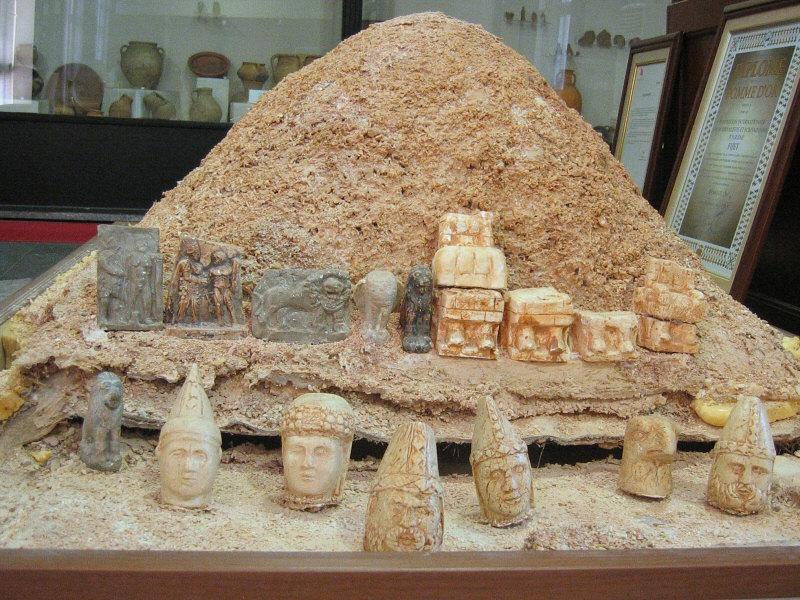 Adiyaman Museum - little Nemrut tumulus and heads display