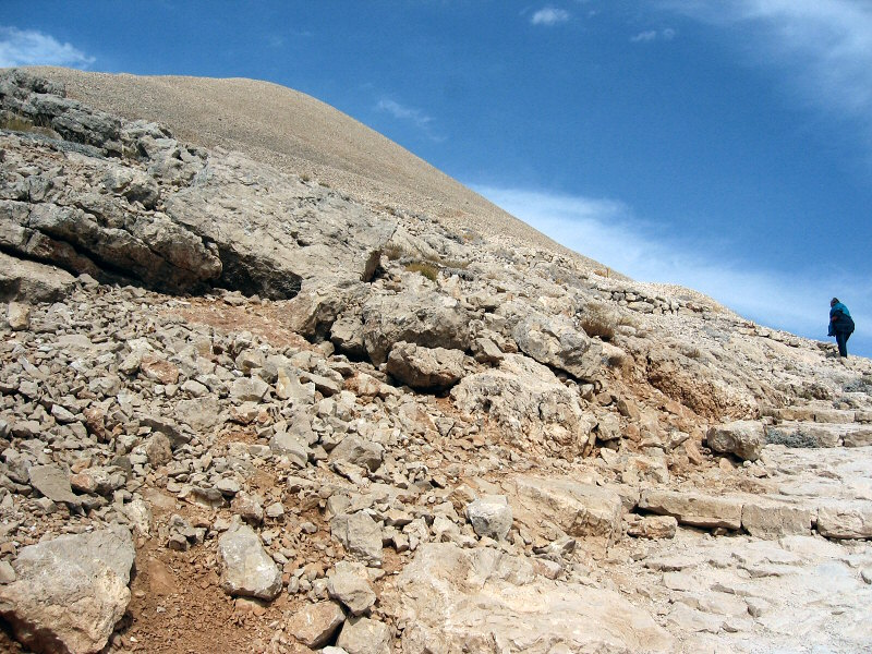 Antiochos Is tomb may be somewhere inside<br>that mound 7,000 ft high
