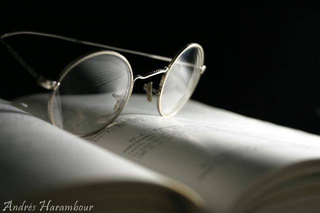 Lentes en Libro