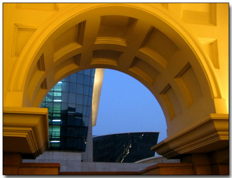 Golden arch, Bombay