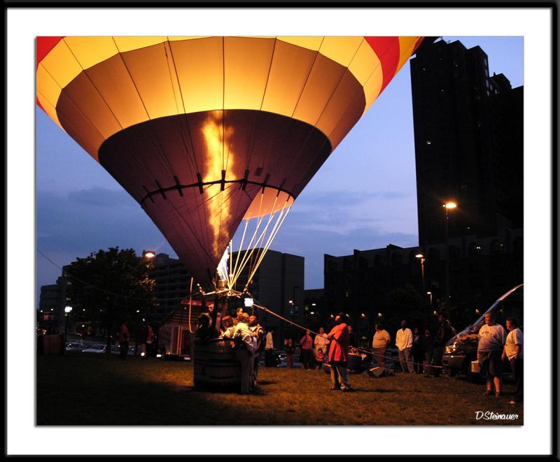 ds20050507_0320awF Balloon.jpg