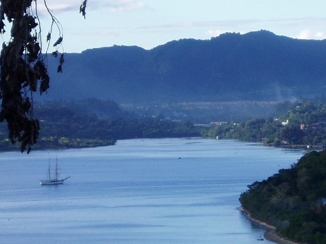 Port Vila bay1