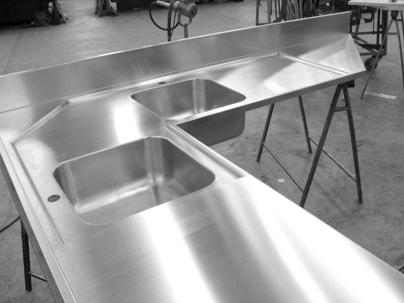 Lavello angolare inox con ribasso su misura e vasche saldate photo ...