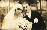 1928 - Zelda and Aharon - on their wedding day