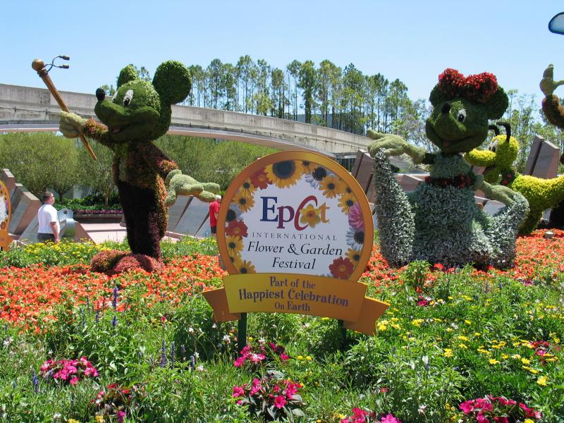 Epcot Flower and Garden Festival - Mickey and Minnie Topiary