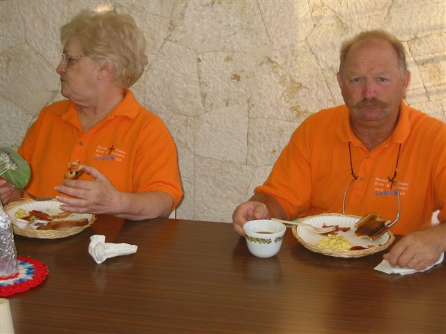 eating breakfast before we leave, Elizabeth and Jerry