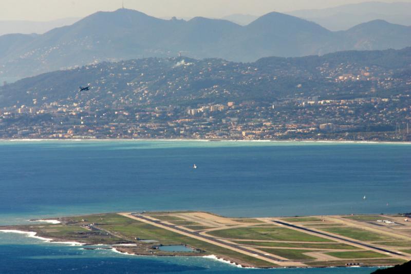 Circuit de piste à Nice Côte dAzur Intl Airport