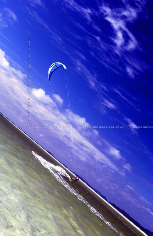 Kite surfing at Whitehaven Beach