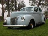 1940 Ford Deluxe 4 door