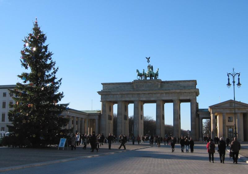 Brandenburger Tor in December.jpg