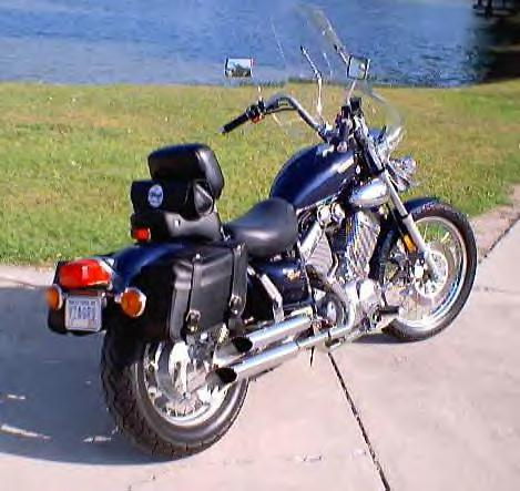 XV535 WITH HOMEMADE BACKREST, CONVERTED INDIVIDUAL SADDLE BAGS FROM THROW-OVERS AND TURN SIGNAL