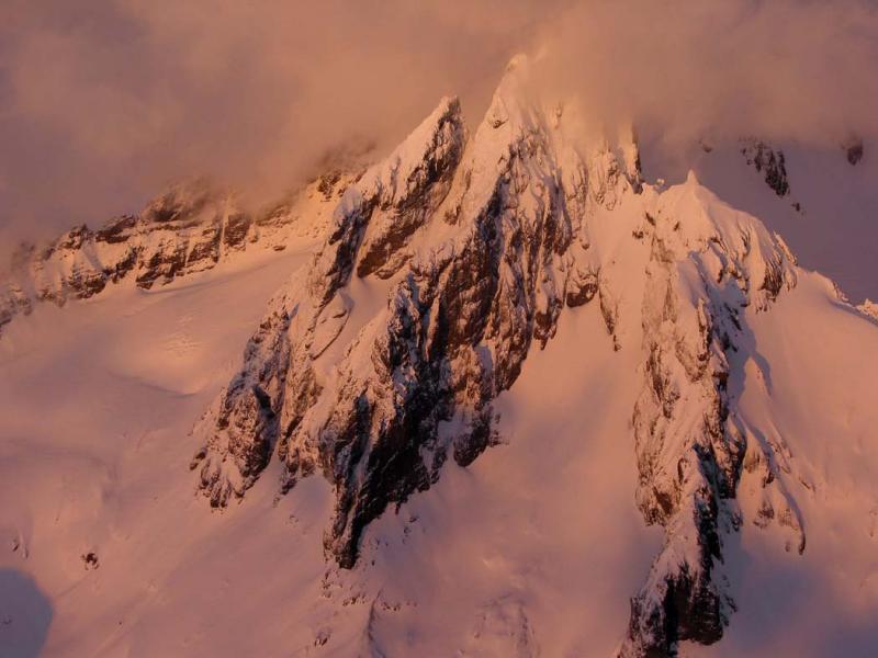 Lincoln Pk Alpenglow (MtBaker030104-38adj.jpg)