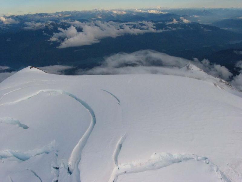Summmit Plateau Crevasses (MtBaker082904-064.jpg)