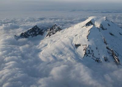 Baker In A Sea Of Cloud, View NW <br> (MtBaker111304-032.jpg)