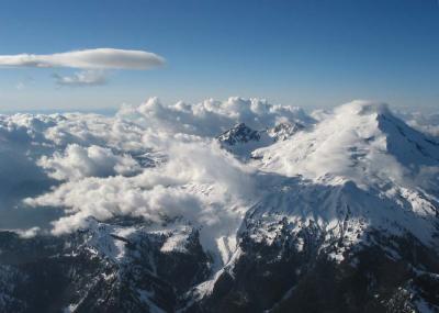 View N, With Lenticular Cloud (MtBaker042104-007adjPF.jpg)