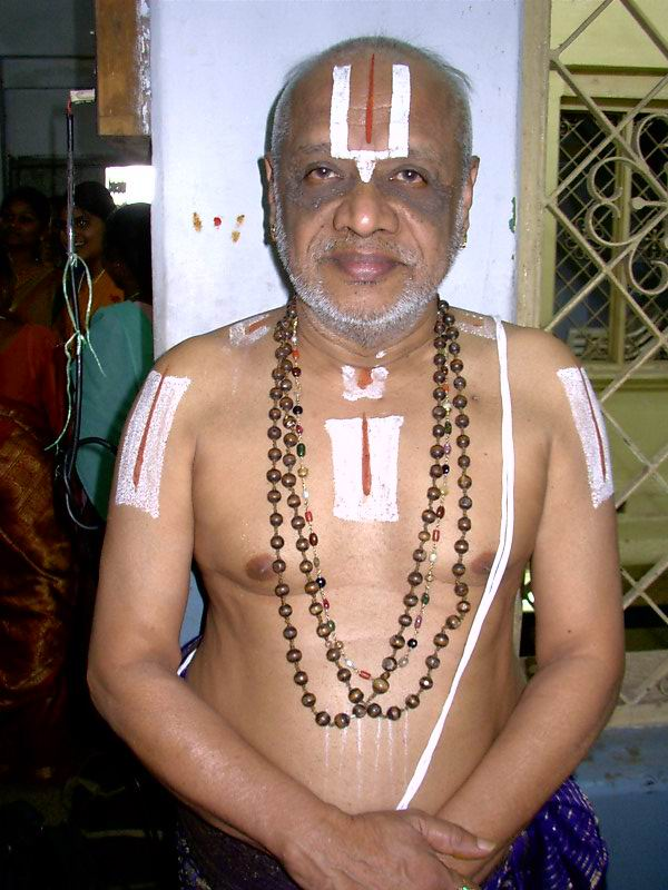 Sri U.Ve. Elayavalli Bhoovarahachariar swamy