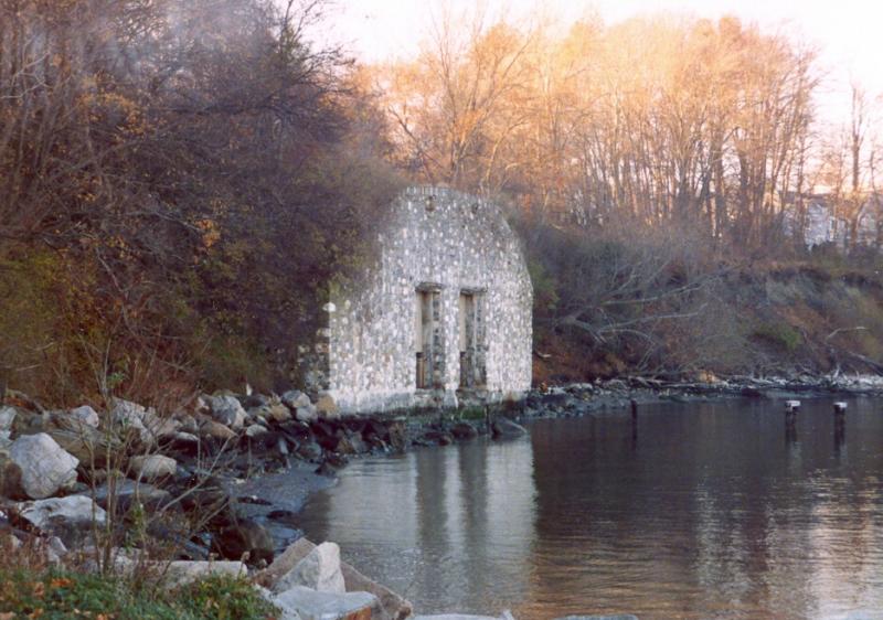 Elmhurst Sakonnet River Boat House