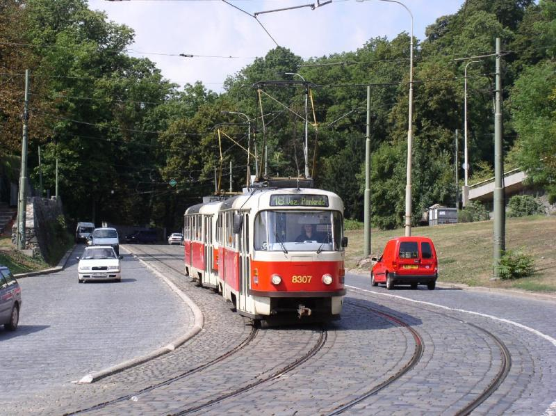 The number 18 brakes downhill before the right turn