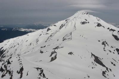 Glacier Peak, S Flank <br> (GlacierPeak052703-095adj.jpg)
