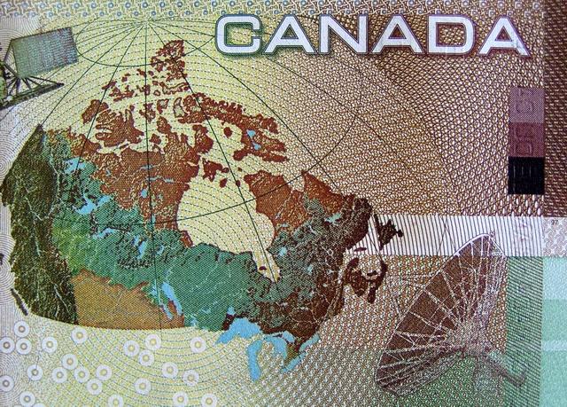 Macro  Canadian  Money.JPG