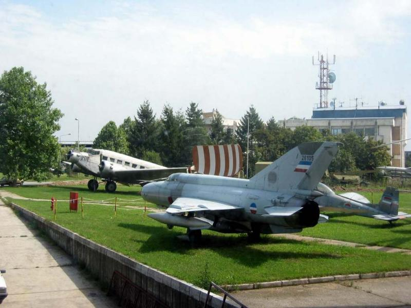 MIG-21 and JU-52