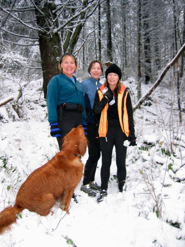 Lynn, Debbie, Deann & Simba on One View Trail