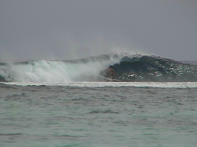 one of my best waves this day..black rock..rarotonga