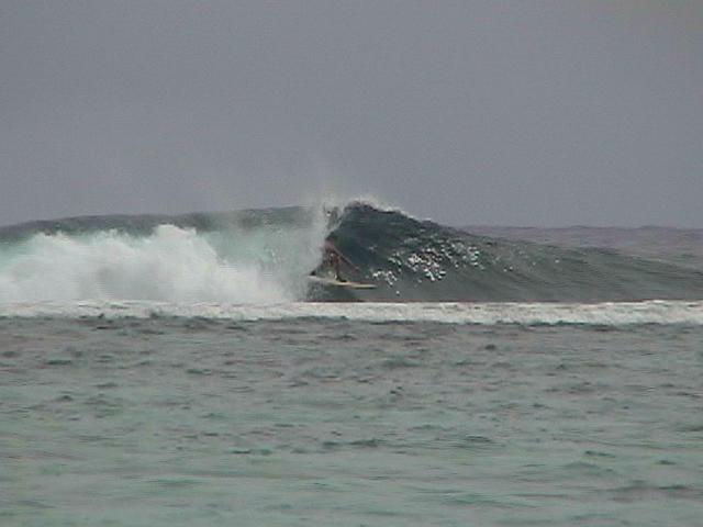 one of my best waves this day..black rock..rarotonga