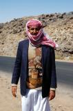 Yemeni man along the road to Shibam