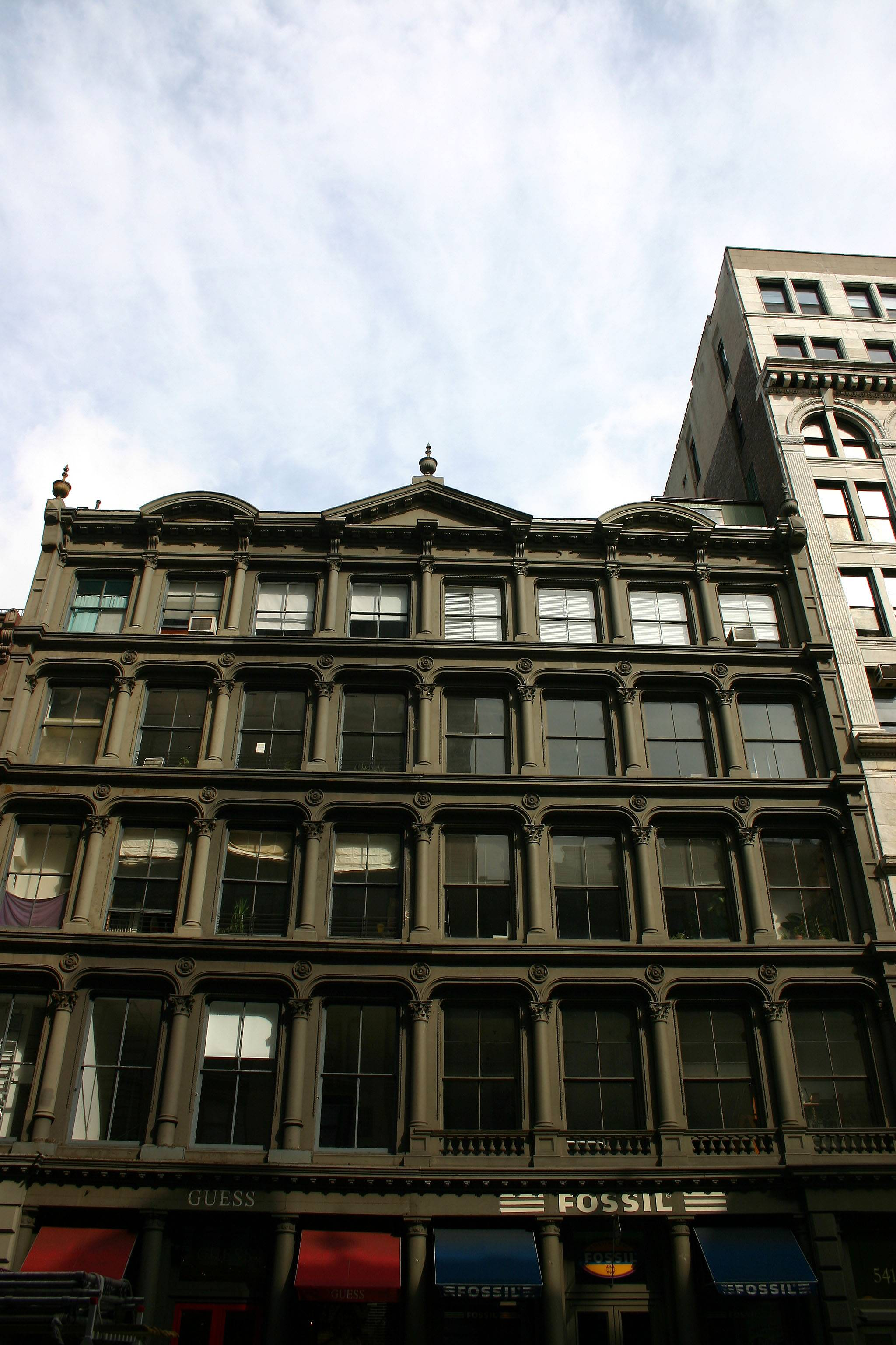 539 Broadway