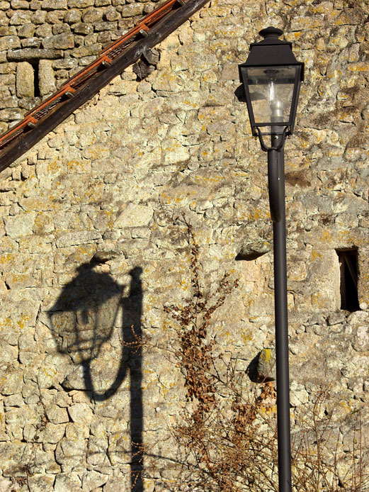 Le lampadaire et son ombre à Maucloux