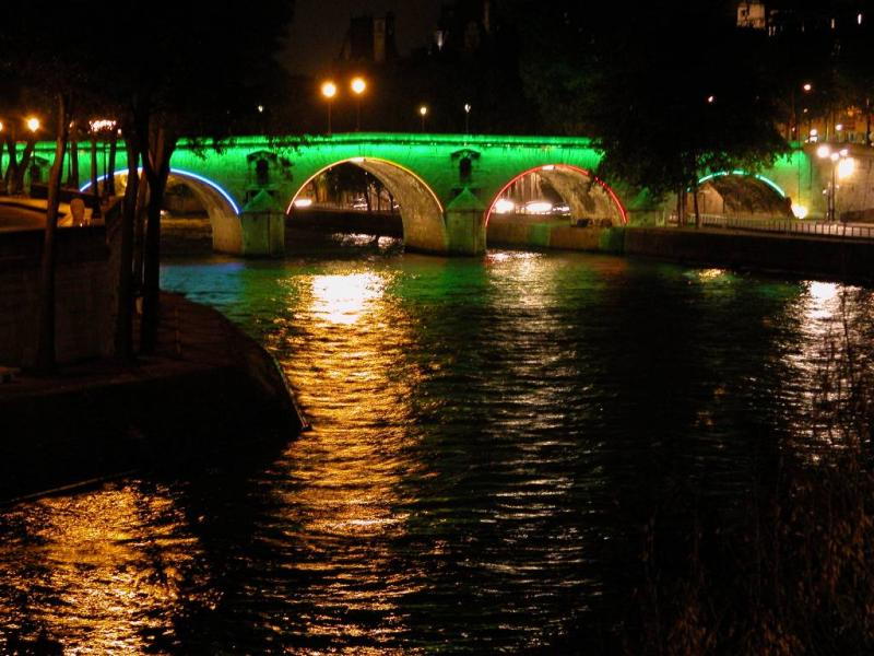 Pont Marie in Olympic colors