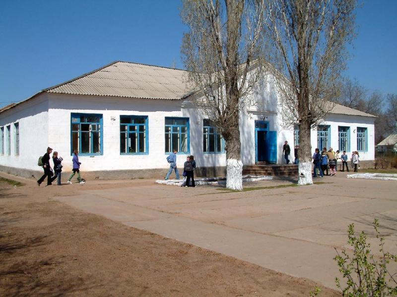 Nikolivesk school April 04