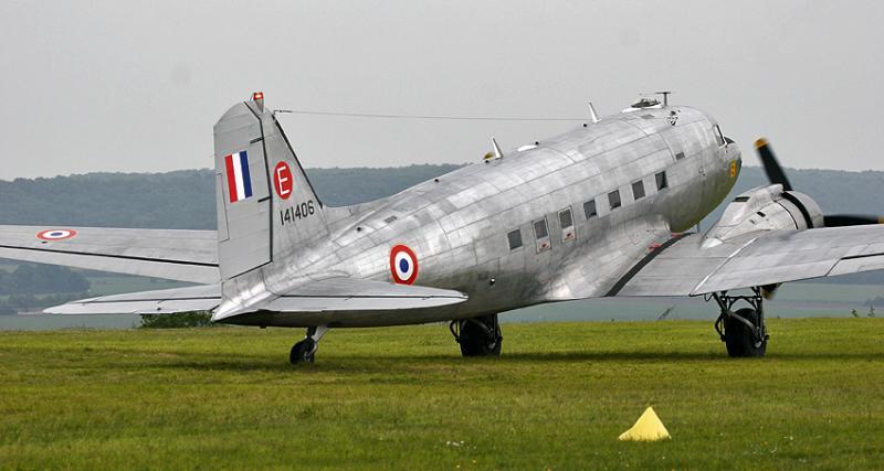 Douglas C-47 DC-3 militaire (Dakota)