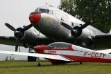 Planeur et DC 2 militaire