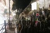 Lots and lots of Buddas at Tham Ting Cave