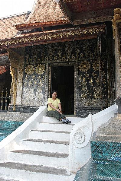 Noon at Wat Xieng Thong