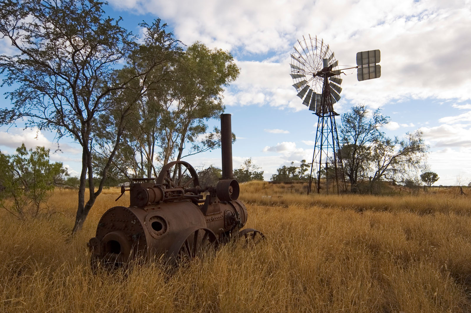 _DSC8969 landscape steam engine and windmill moorinya