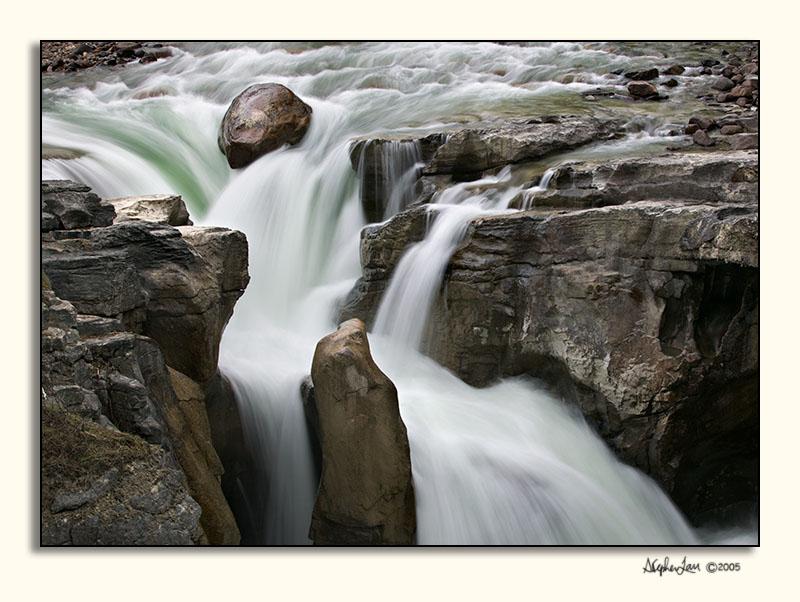 Sunwapta Falls, Jasper     587S9175.jpg