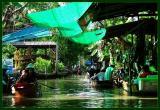 Floating markets 4