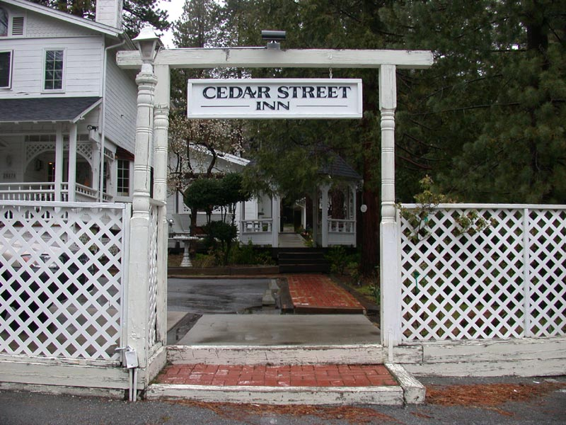 The Cedar Street Inn looks like a nice place to stay