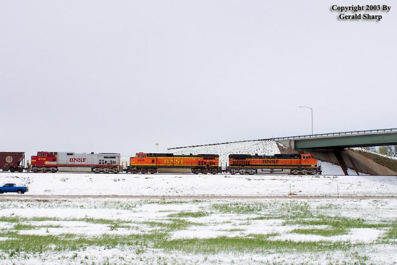 BNSF 1024 West At East Tonville, CO