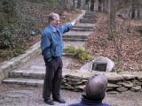 David Dethero describing the garden. Frank Galyon is in the foreground.