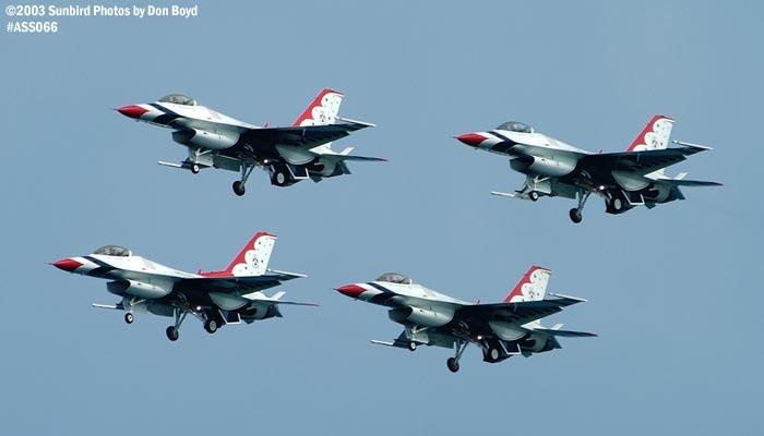 USAF Thunderbirds F-16 Falcons military aviation air show stock photo #4361