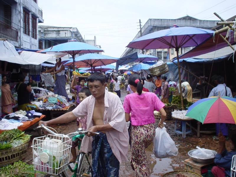 market in Bago