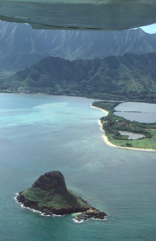 39-Mokolii Island, Molii Pond on the left