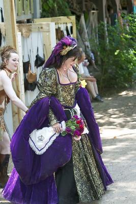 naughty queen.jpg