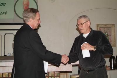 Bigelow award handshake smallfile DSCF0097.JPG