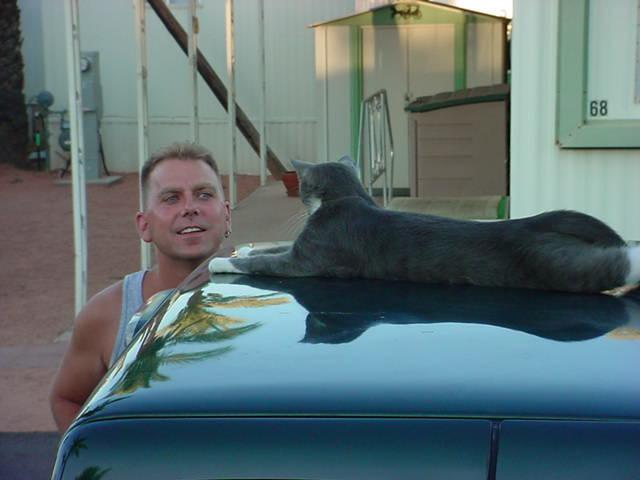 Jeffrey Louis Ruth<br> talking to Smokey cat