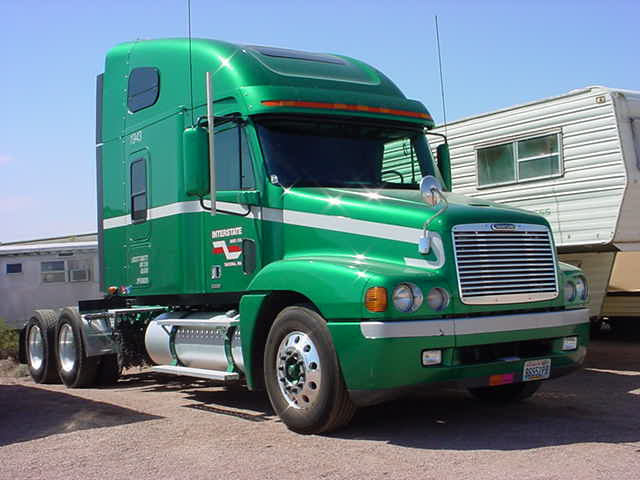 we want this trucker to join the green truck club !!